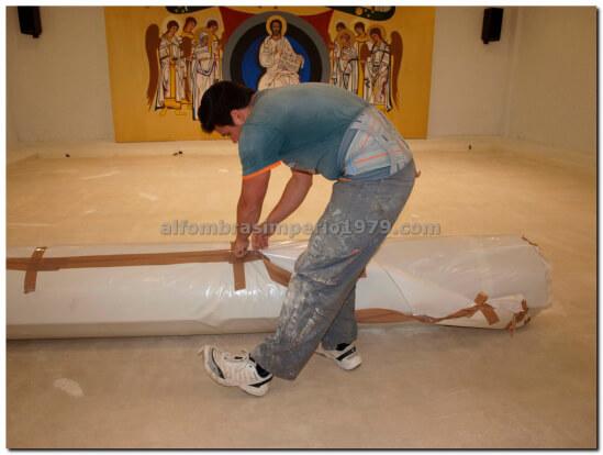 Instalacion Moqueta Salon Religioso