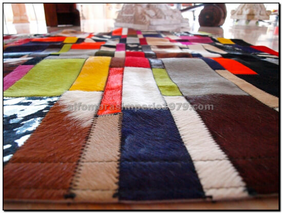 Alfombra Patchwork Piel Multi Color a Media formato Tiras.